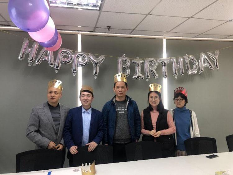 ManBetx客户端2019年第一季度员工生日会